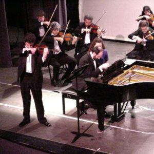 Con Luis Roggero y la Orquesta Mayo