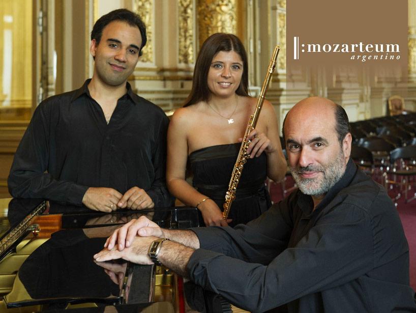 María Cecilia Muñoz, flauta – José Araujo, cello – Fernando Pérez, piano